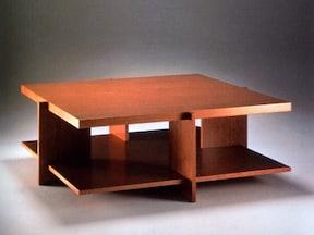 巨匠が残した遺産とも言うべきテーブル
