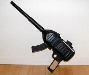 ペットボトルで「なんちゃってライフル銃」