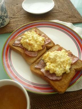 ゆで卵のオープンサンド