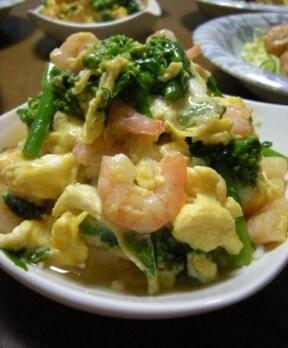 彩豊かな菜の花とプリプリのエビを使った天津飯
