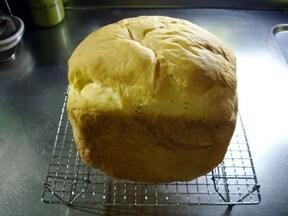 パンはすぐ食べるなら常温、すぐ食べないなら冷凍