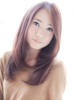 ツヤとボリュームのある髪の毛は、見た目年齢を大きく左右する