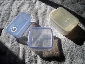 食品用プラスチック密閉容器 タッパーウェア