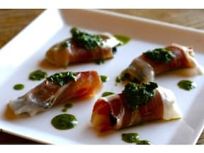 15分で出来るフィンガーフード「牡蠣の生ハム巻き」