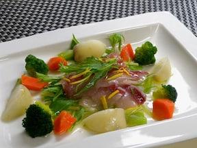 ぶりと蒸し野菜のサラダ