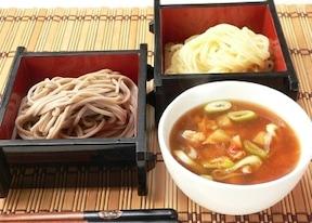 具たっぷりの和風つけ麺