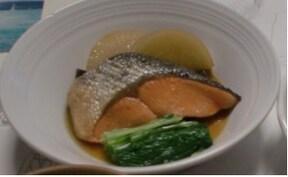 焼くだけじゃない!?甘塩鮭のアレンジレシピ「鮭煮」