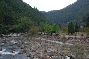 『安田川アユおどる清流キャンプ場』
