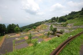 塩塚峰の季節を楽しむキャンプ場『霧の高原』