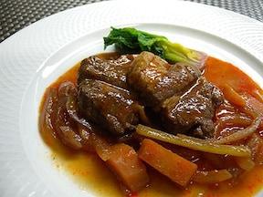 簡単に作れる本格的なトマトジュースと赤ワインのやわらかポーク煮込みレシピ