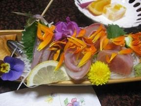 お花を食べて美肌に!花料理の街・千倉