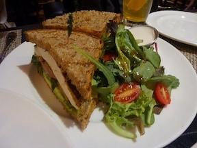 野菜不足ならキャンドル・カフェでベジタリアンに!
