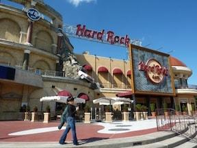ハードロックの本拠地で、アメリカっぽく楽しく!