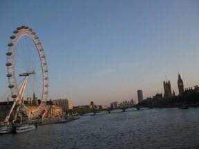 ロンドンの街を360度見下ろせる『ロンドン・アイ』