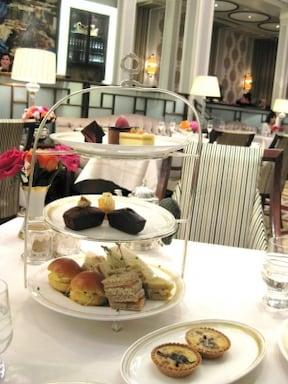 レインズボロウホテルで最高の紅茶とおもてなし!