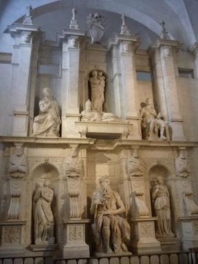 サン・ピエトロ・イン・ヴィンコリ教会のモーセ像