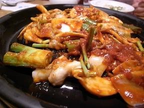 辛ウマ『ペッコドン』の生タコ辛め焼き