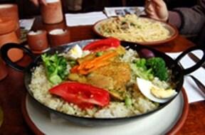 地元の名物料理が味わえる Pucara(プカラ)