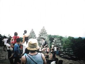 カンボジア プノンバケンの夕日