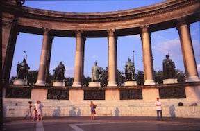 ハンガリー・ブダペスト『英雄広場』