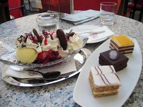 ハンガリーの老舗カフェ『ジェルボー』
