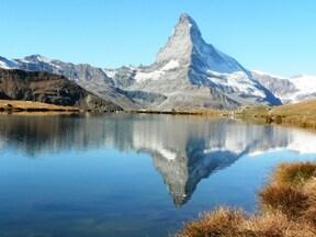 ツェルマット山上湖の逆さマッターホルンめぐり