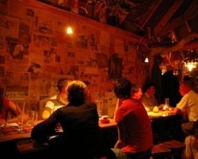 山小屋で飲むアルゼンチンビールの店『Cerveceria』