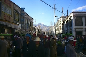 バルコル(八角街):賑やかな回廊をコルラする