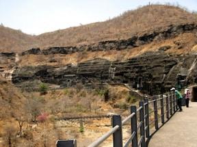 千年以上眠っていた世界遺産『アジャンター石窟群』