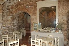 修道院のお菓子カフェ『カエルン』