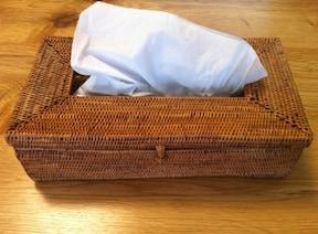 繊細な竹細工で作られたティッシュケース