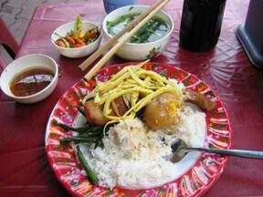 ベトナムならではの味を楽しみたいなら小路地へ!