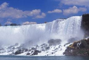 ニューヨークからカナダへ!ナイアガラ観光ツアー