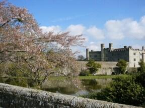 『貴婦人の城』リーズ城とロンドン近郊世界遺産の旅