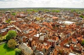 城壁に囲まれた街『古都ヨーク観光ツアー』