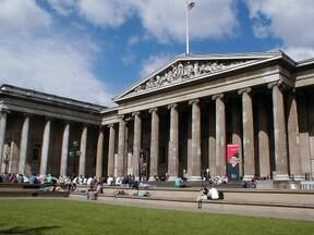 大英博物館を肴にパブで乾杯ツアー!