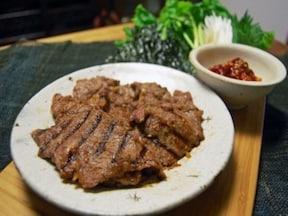 焼き肉をコチュジャンだれで! 韓風焼き肉