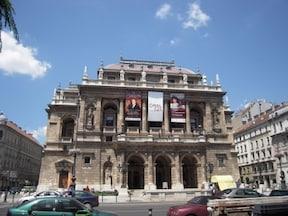 オペラ座と老舗カフェ・ジェルボーのツアー