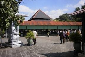 王宮も見学!ジャワ島の古都 ジョグジャカルタツアー