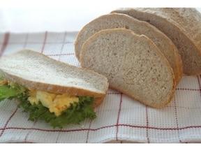 栄養満点!香ばしいライ麦パン