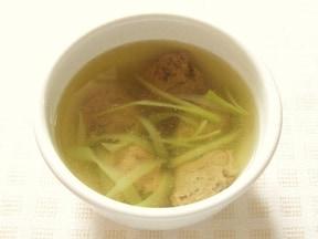 魚嫌いな子どもにも人気の美味しい「いわしのつみれスープ」