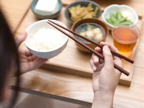 炭水化物を先に食べる「逆食べ順ダイエット」