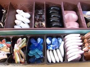 お菓子の仕切りで箸置き収納
