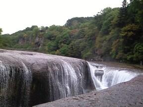 東洋のナイアガラと呼ばれる天然記念物『吹割の滝』