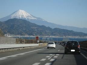 富士山を目の前に東名高速道路をドライブ!