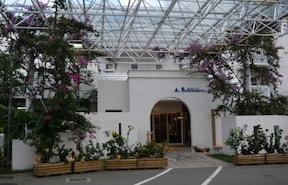 露天風呂から海を見渡せるホテル『ベルヴェデーレ』