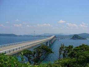 角島大橋を渡って、まるで南国ドライブ!