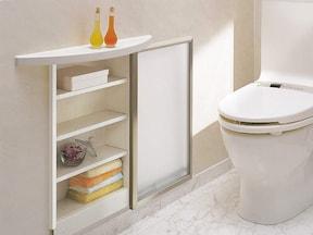 トイレの側面壁に、収納棚を埋め込むリフォーム術