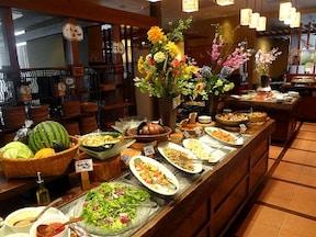 家族連れにおすすめの食べ放題ランチ「葡萄の杜 互談や」