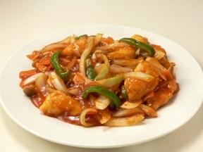 鶏肉で作る イチゴジャムソースの酢豚風炒め物